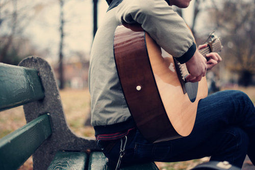 Study Shows Men With Guitars Are More Attractive. But What About the Ladies?